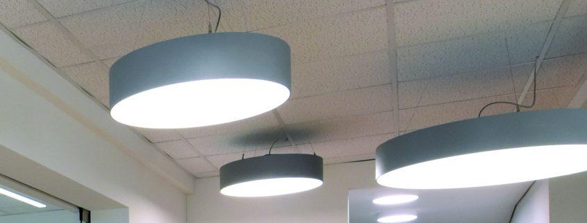 Lampen im Eingangsbereich Kundencenter
